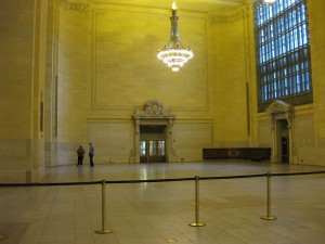 Curtis Battles, of www.NewCanaanAdvisors.com, discusses the history of the Vanderbilt Hall at Grand Central Station.